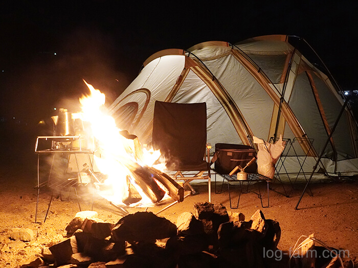 ソロキャンプで焚き火