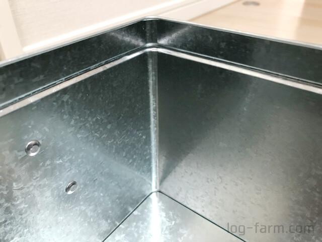 トタンボックスの表面の模様