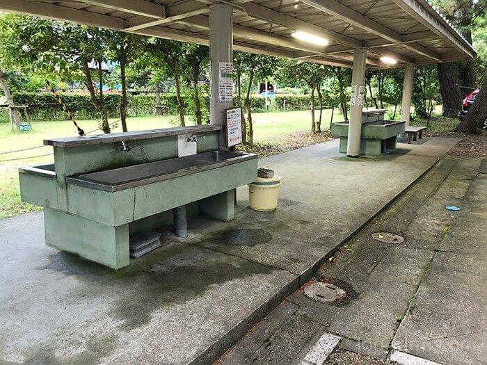 知内浜オートキャンプ場の炊事棟