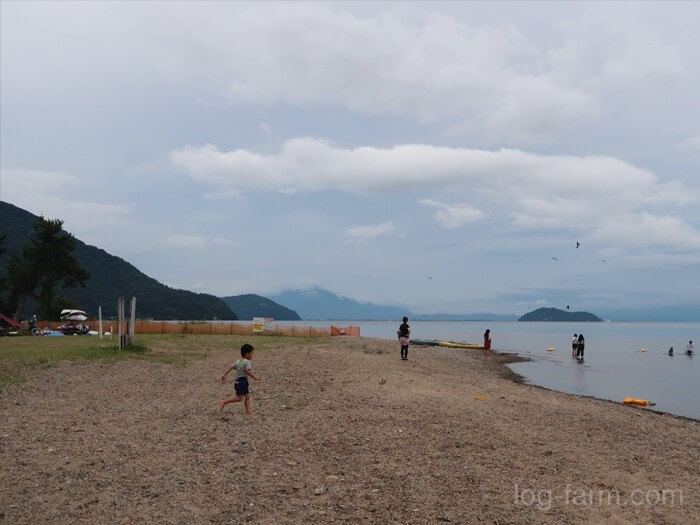 琵琶湖の水辺