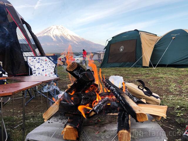 ユニフレームのファイアスタンド2と富士山