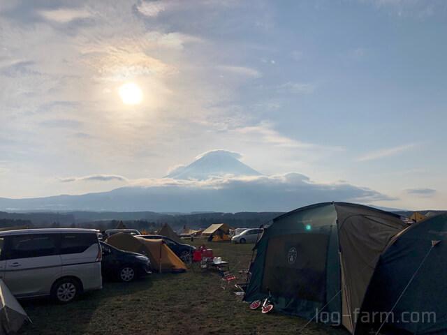 GO OUT JAMBOREE 2019の2日目の朝の富士山