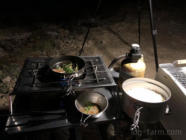 キャンプで焼肉と白ゴハン