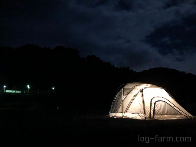 夜のリビングシェルロングPro