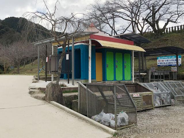 笠置キャンプ場のトイレ