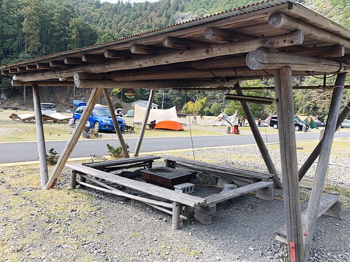 白川渡オートキャンプ場のBBQスペース