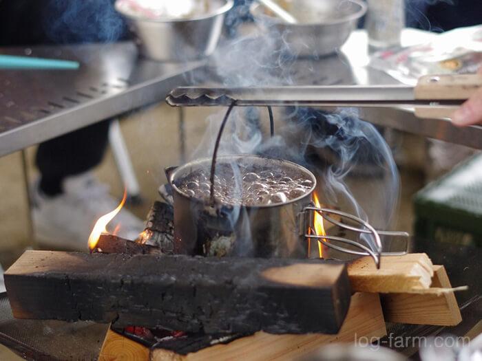 焚き火でコーヒー