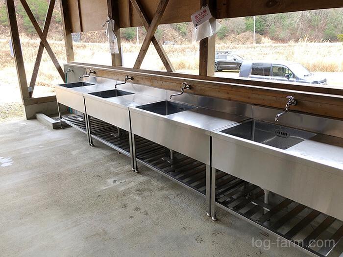スノーピーク箕面キャンプフィールドの炊事場