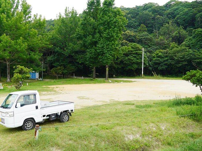 田の浦野営場の入口付近