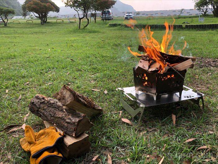 灯篭で焚き火