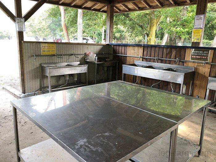 つり橋の里キャンプ場の炊事場の中