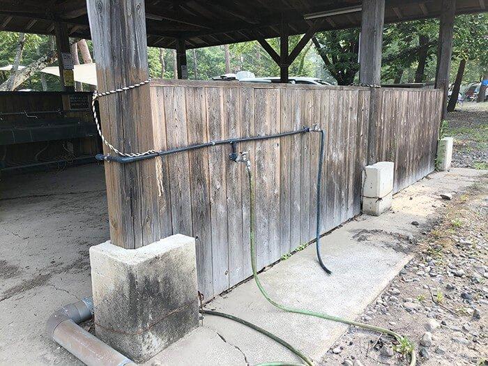 つり橋の里キャンプ場の炊事場の外水道