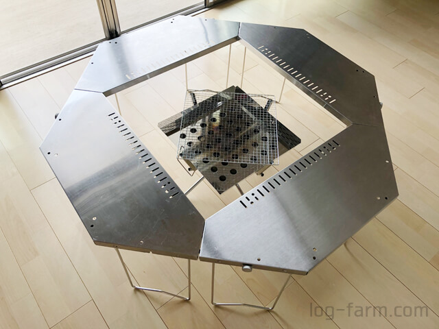 ジカロテーブルの焚火台モードにファイアグリルをセット