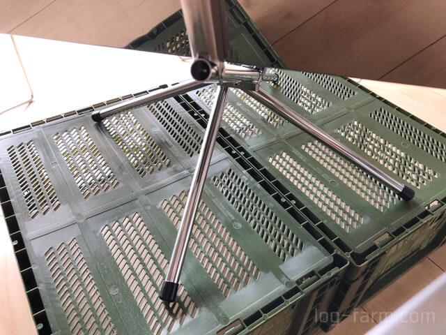 アルティメットコンテナLに載せたファイアグリルの脚