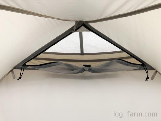 ミニッツドームのインナーテント内の三角窓
