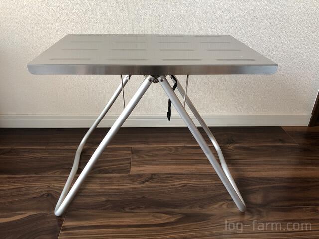 ベルトを付けて固定したステンレストップとMyテーブル
