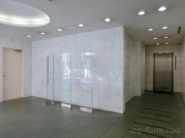 吉澤ビルのエントランスホール