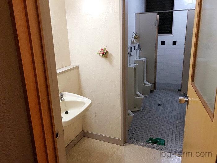 管理棟(本館)内にあるトイレ