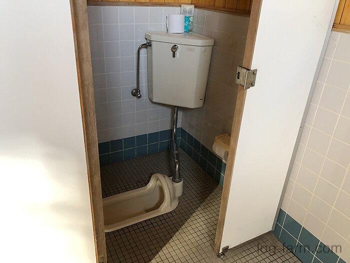 荒滝キャンプ場の大トイレは和式