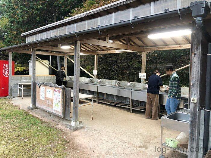 グリム冒険の森キャンプ場の炊事場
