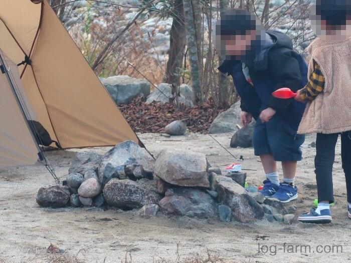 黄和田キャンプ場は直火もOK