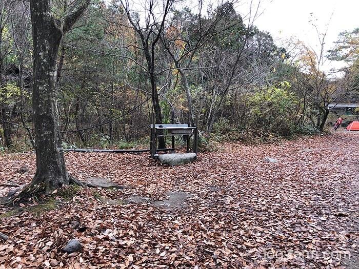 林間サイトにある炊事場