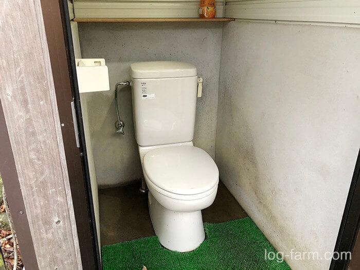 黄和田キャンプ場の洋式トイレ1