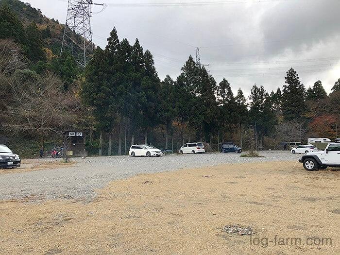 黄和田キャンプ場の芝サイト