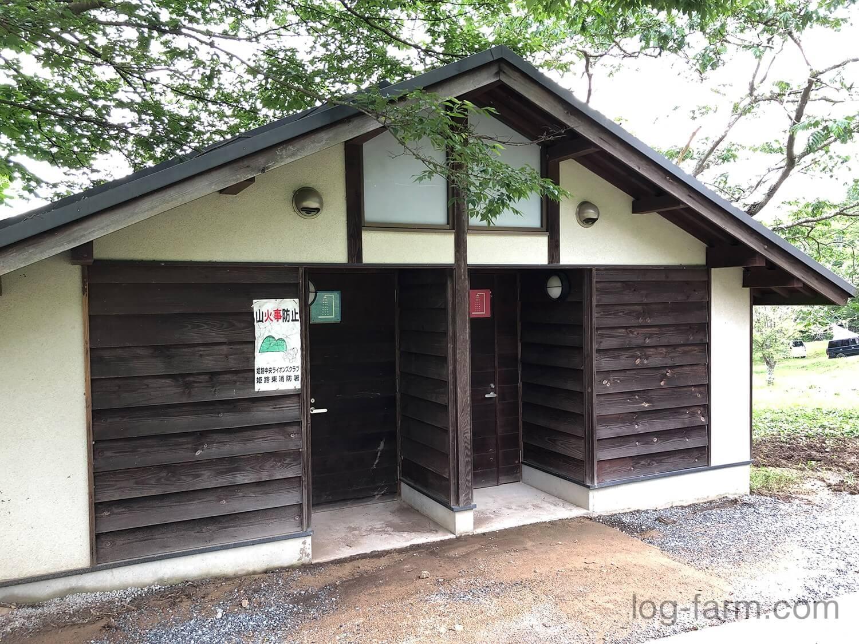 牧野キャンプ場のシャワー棟