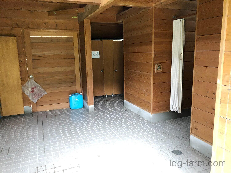牧野キャンプ場のトイレ内