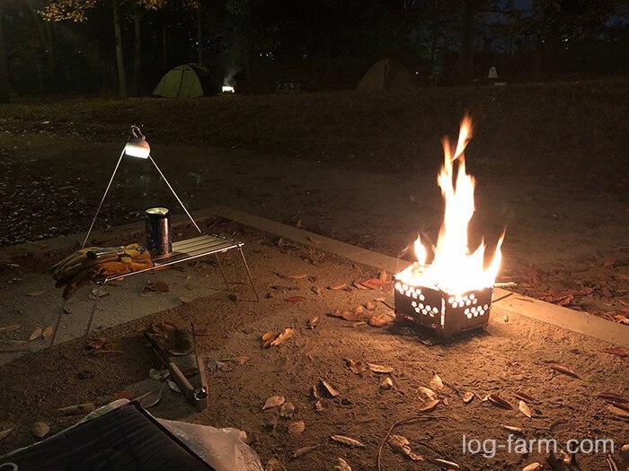 鶴見緑地キャンプ場で焚き火