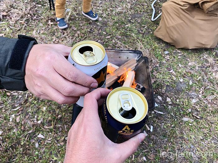 設営後のビールは最高