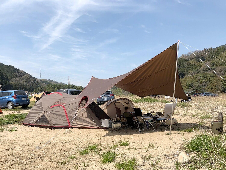 テントとタープの設営完了