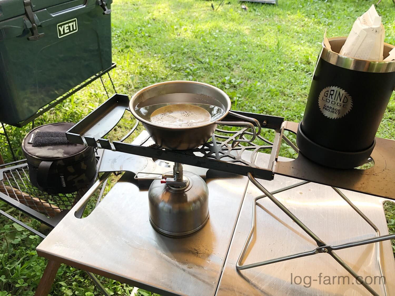 牧野キャンプ場で朝のコーヒー