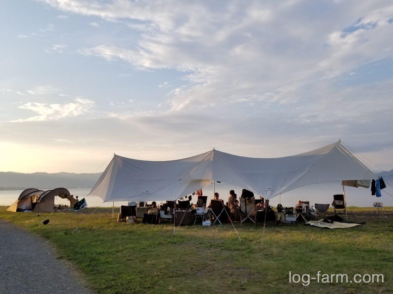六ツ矢崎浜オートキャンプ場でのキャンプサイト
