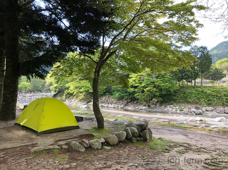深山キャンプ場でソロキャンプ