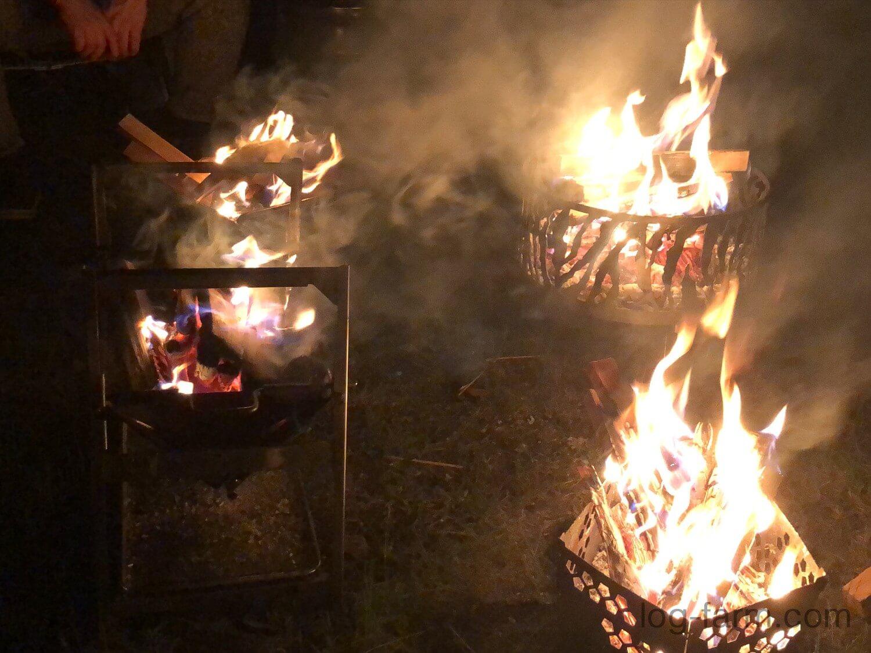 4つの焚火台で焚き火