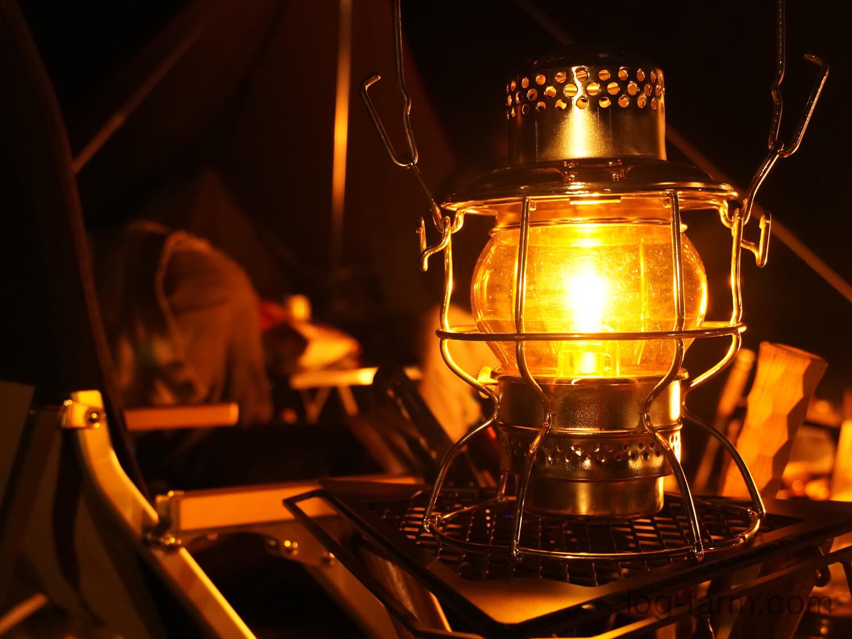 W.T.Kirkman Heritage No.999 レイルロードランタンも点灯