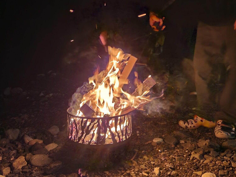 マウンコル虎で焚き火