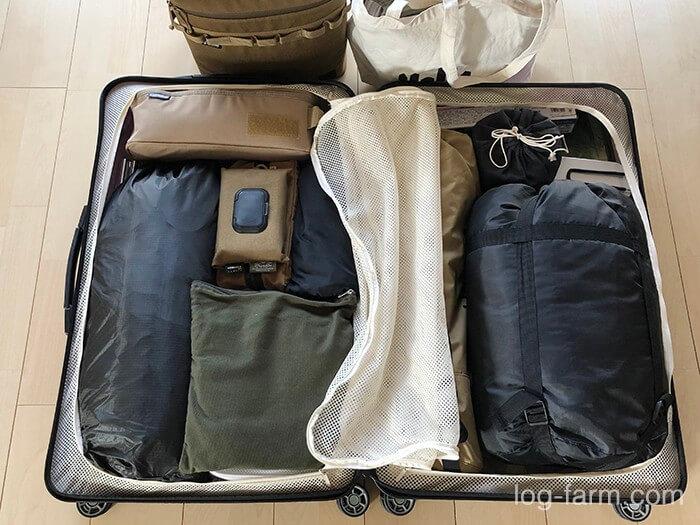 スーツケースソロキャンプの荷物