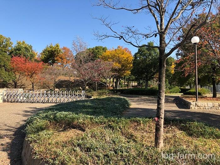 鶴見緑地公園の西側の入口