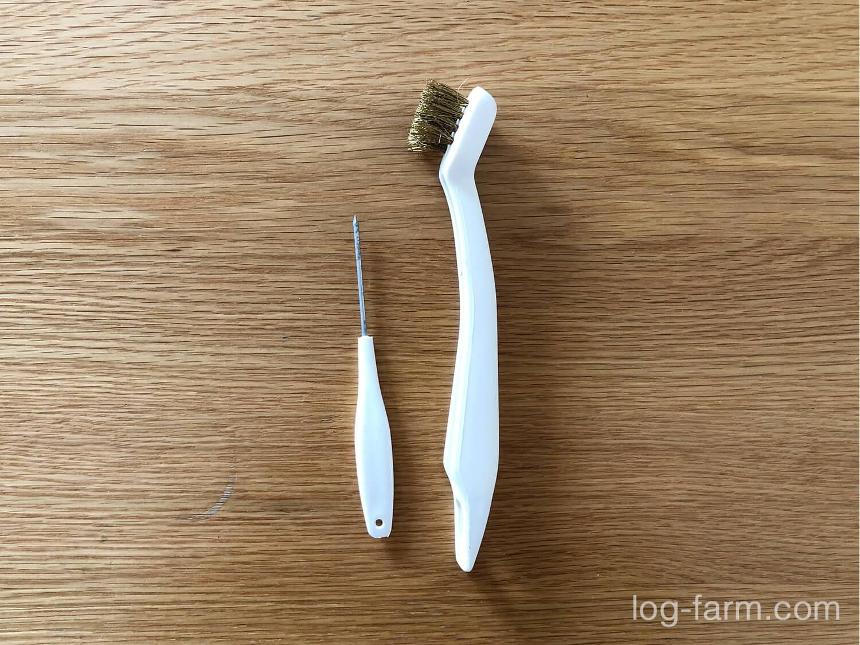真鍮ワイヤーブラシとキリ(ピック)